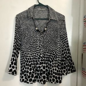 Signature By Larry Levine Pleated Blouse
